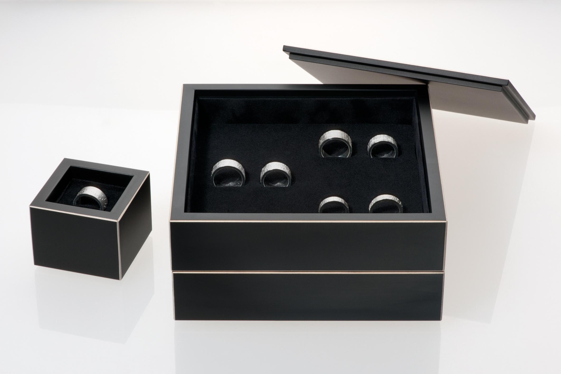 black_board_box_2